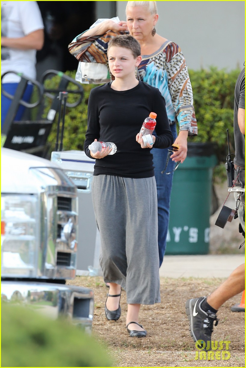 joey king debuts super short haircut for wish i was here 122941012
