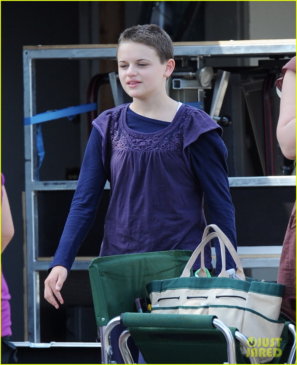 joey king debuts super short haircut for wish i was here 292941029