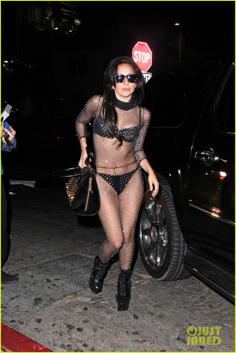 lady gaga bares butt for date night with taylor kinney 032928575