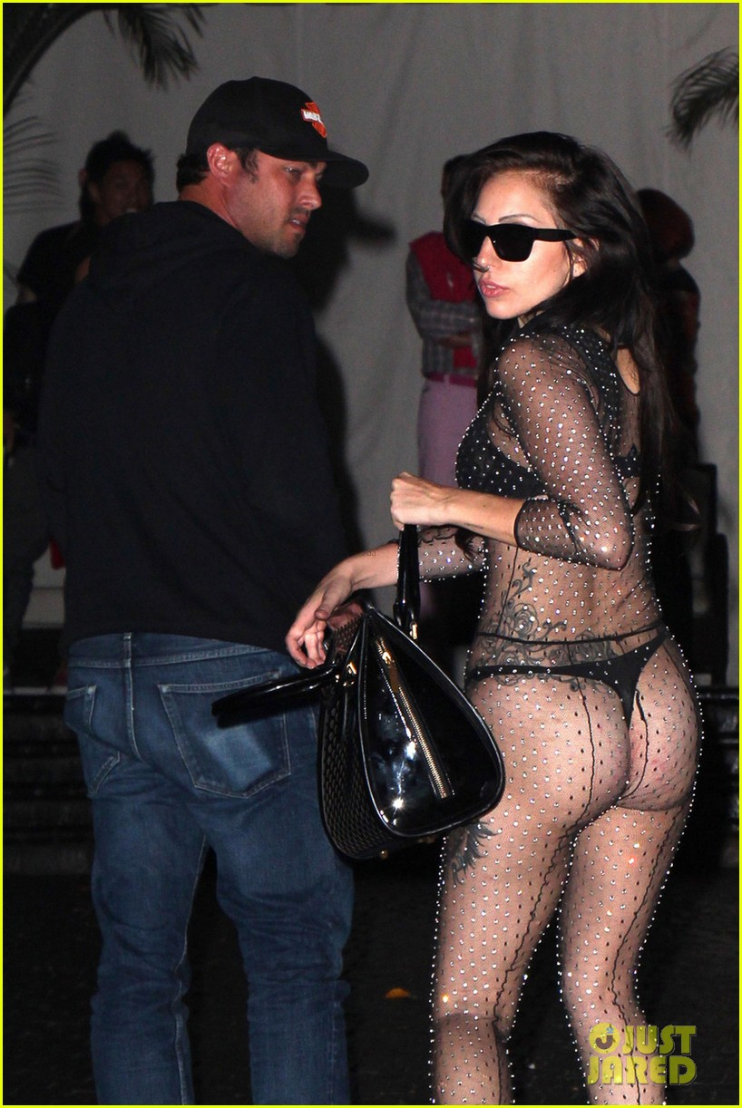 lady gaga bares butt for date night with taylor kinney 042928576