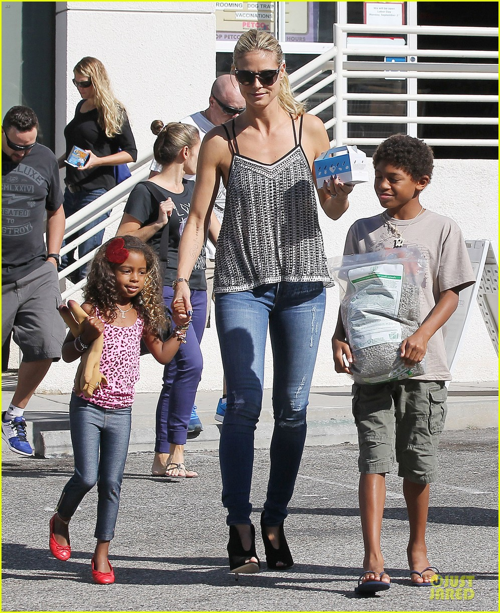 heidi klum martin kirsten beach bike ride with kids 162938450