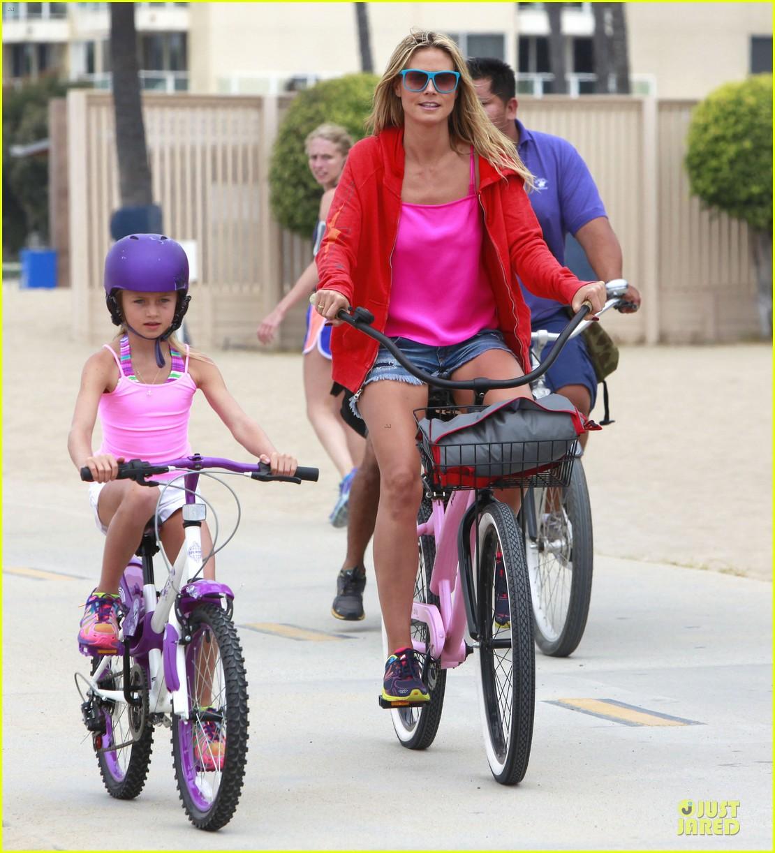 heidi klum martin kirsten beach bike ride with kids 182938452