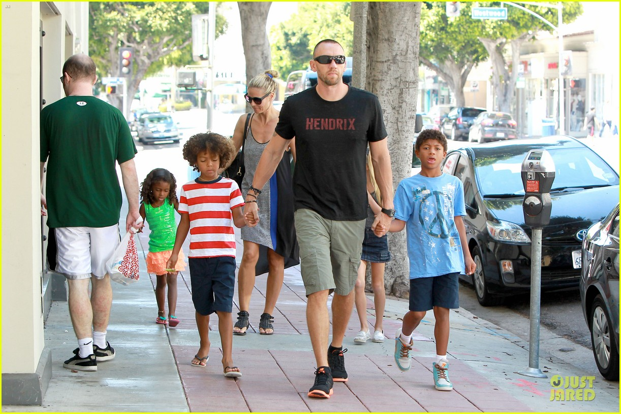 heidi klum martin kirsten beach bike ride with kids 212938455