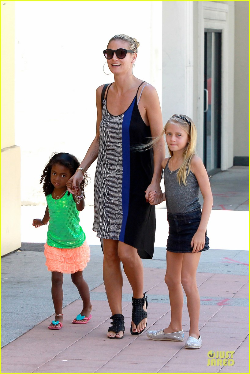 heidi klum martin kirsten beach bike ride with kids 232938457
