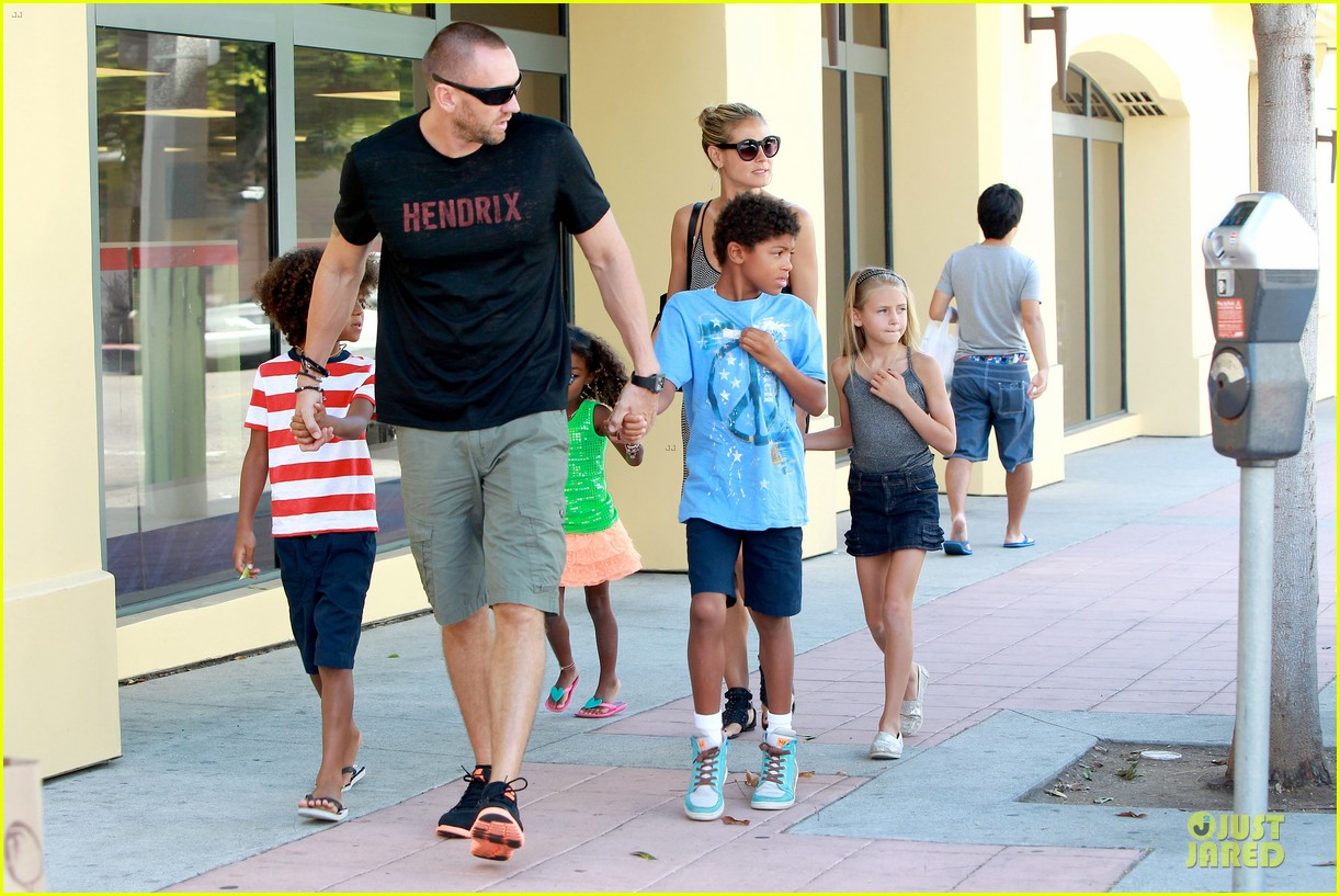 heidi klum martin kirsten beach bike ride with kids 252938459