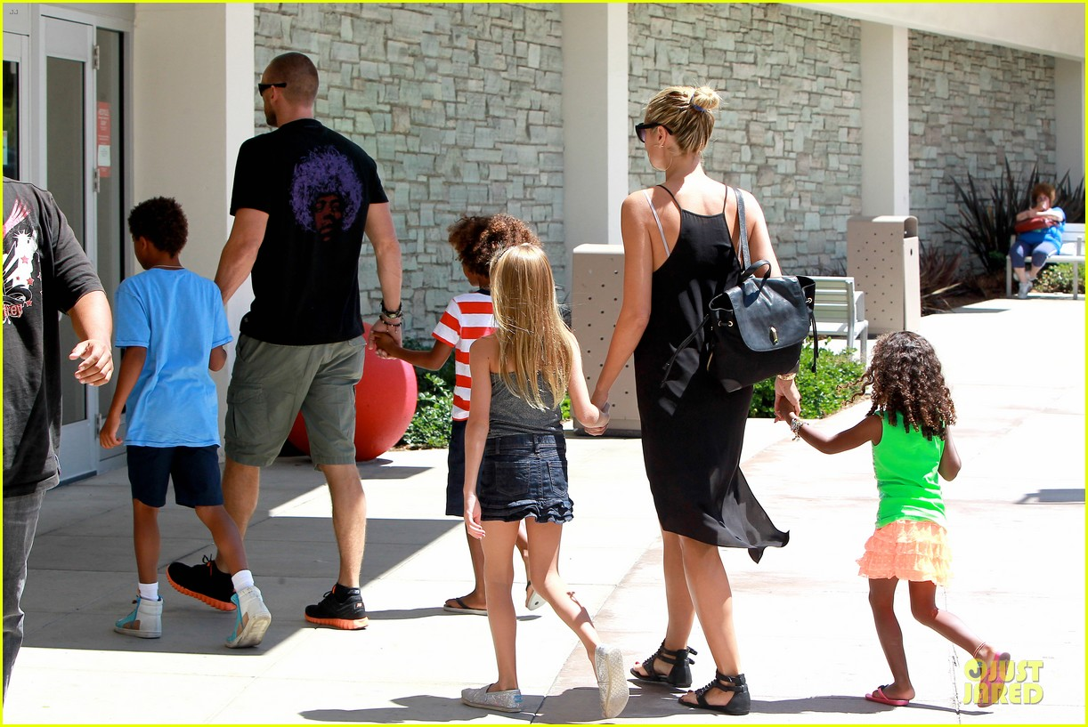 heidi klum martin kirsten beach bike ride with kids 272938461