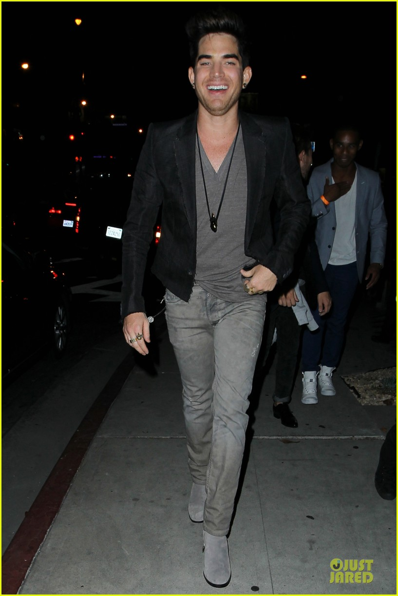 adam lambert bootsy bellows hugging lad 042931756