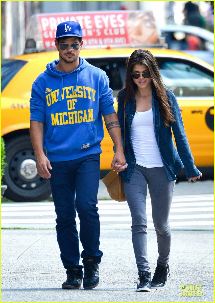 taylor lautner marie avgeropoulos romantic walk in nyc 032922970
