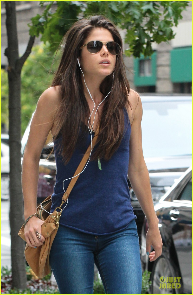 taylor lautner marie avgeropoulos romantic walk in nyc 092922976