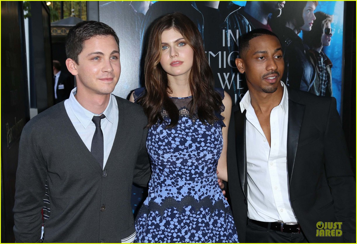 logan lerman alexandra daddario percy jackson la screening 142921316