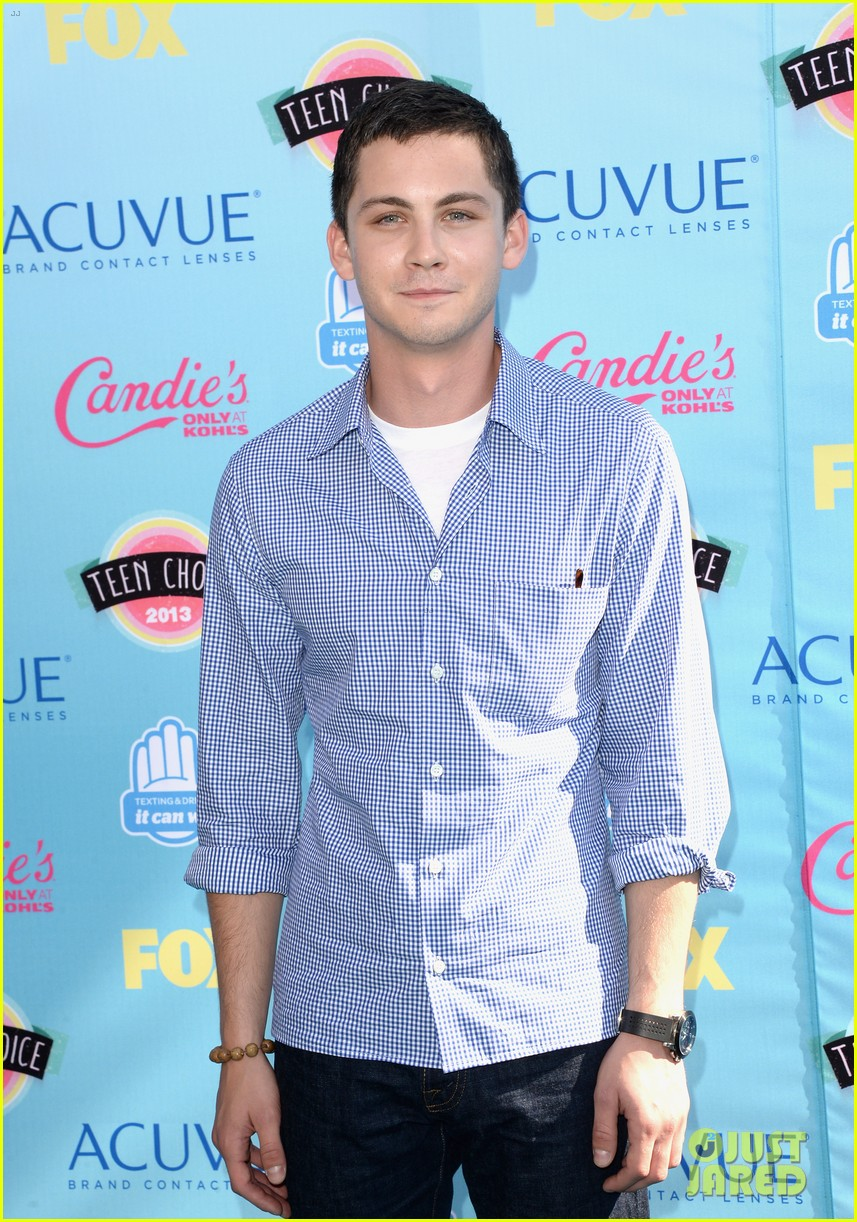 logan lerman alexandra daddario teen choice awards 2013 092928113