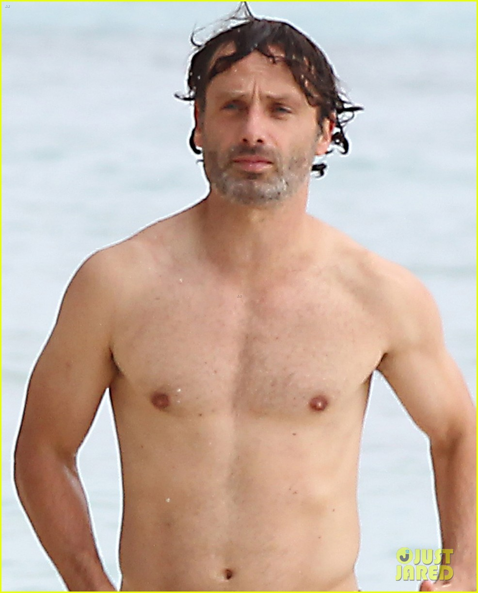 andrew lincoln goes shirtless on family vacation 022928635