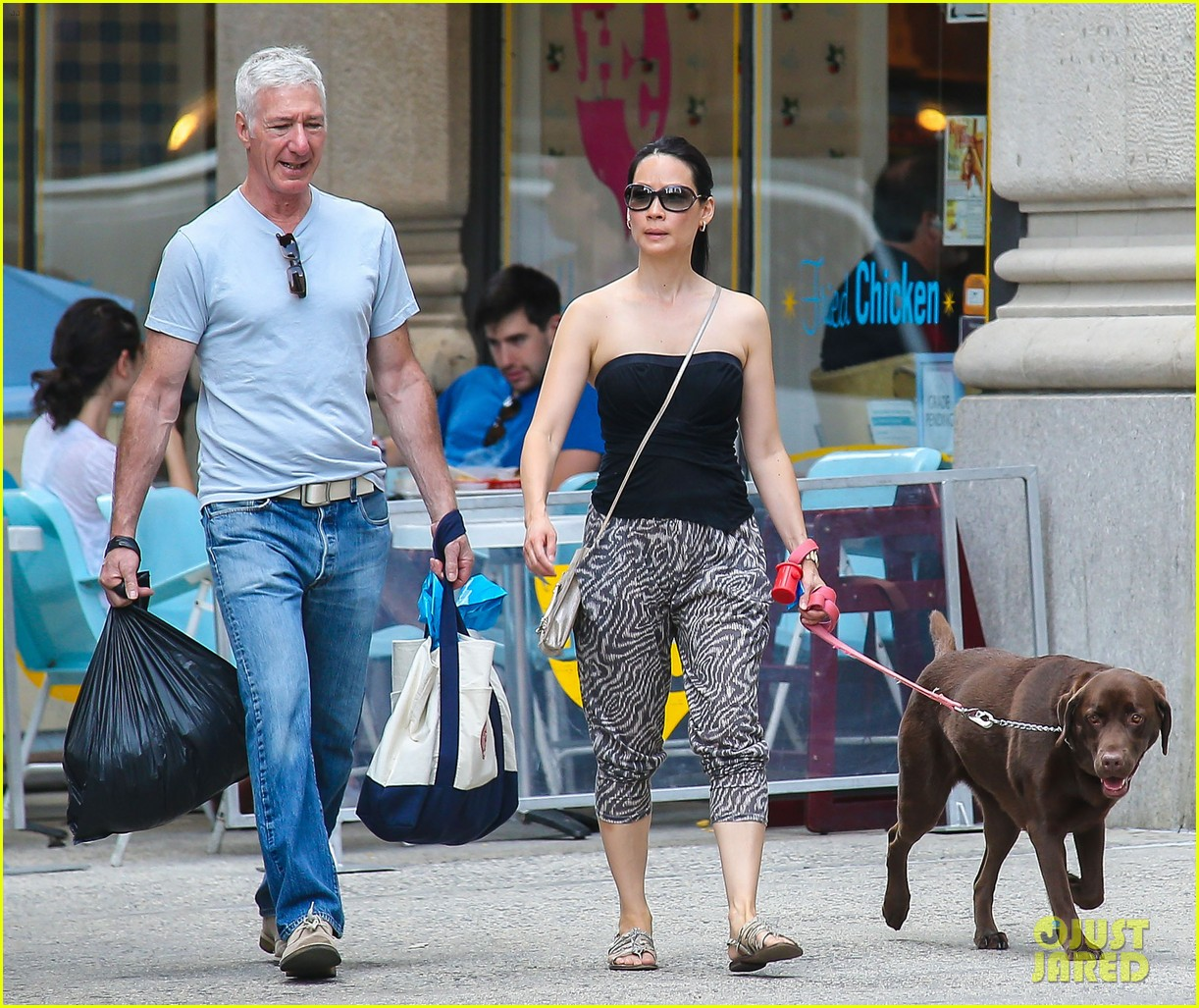 lucy liu new boyfriend hold hands in new york city 15