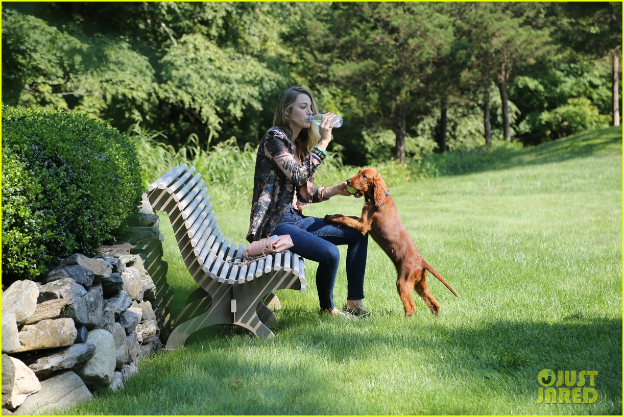 blake lively takes ryan reynolds dog to the park 022940063