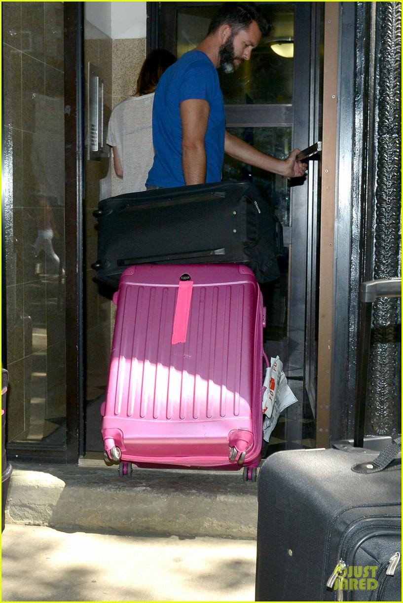 lindsay lohan moves into new nyc apartment 072924977