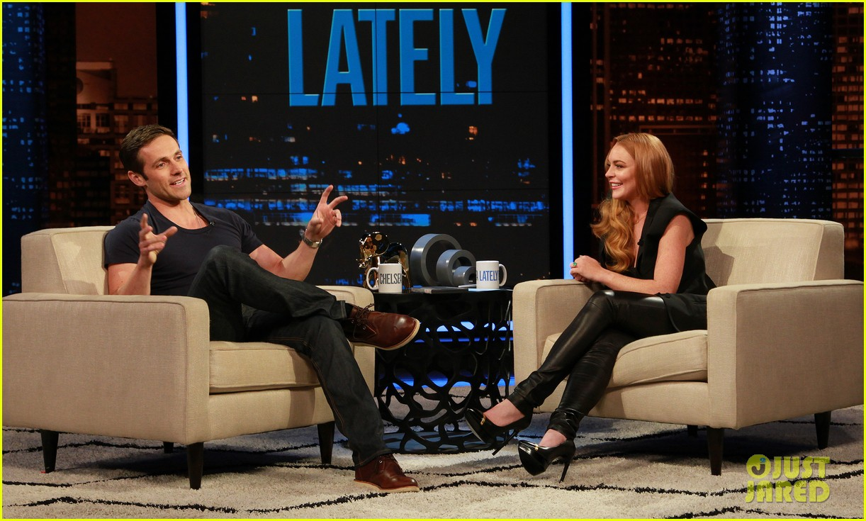 lindsay lohan hosts chelsea lately 05