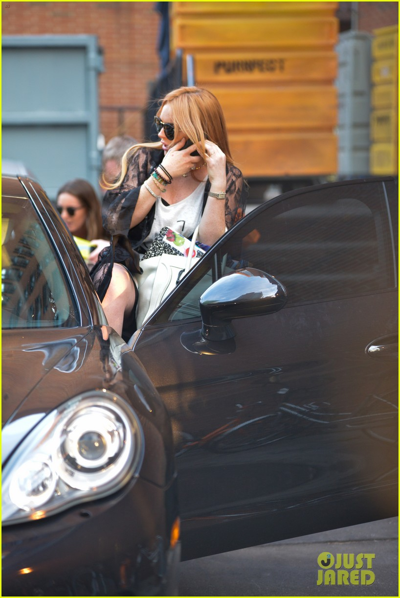 lindsay lohan gets behind the wheel in new york city 182940916