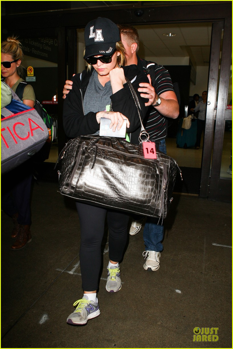 demi lovato itching to get back to kenya 012936890