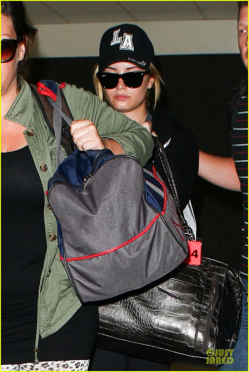 demi lovato itching to get back to kenya 022936891