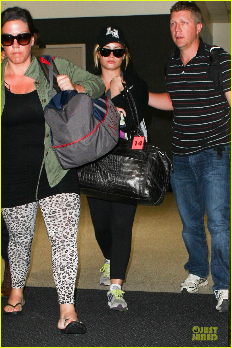 demi lovato itching to get back to kenya 032936892