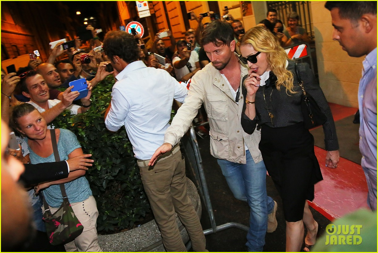 madonna hard candy fitness center visit in rome 022934612