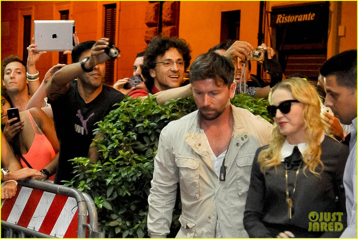madonna hard candy fitness center visit in rome 032934613