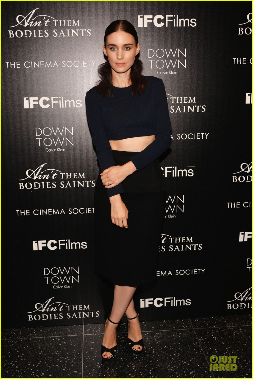 rooney mara bares midriff at aint them bodies saints screening 012929743