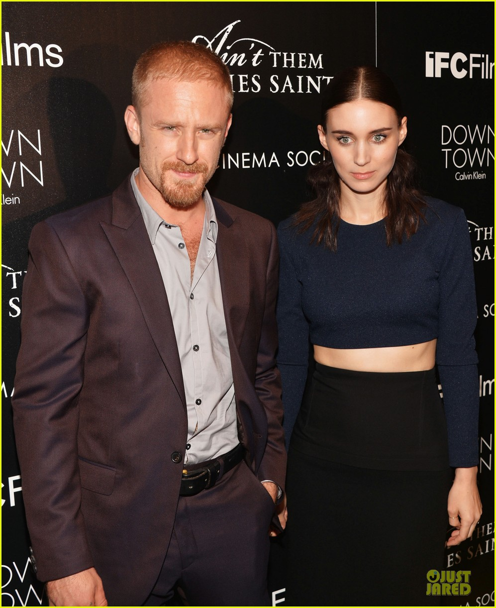rooney mara bares midriff at aint them bodies saints screening 022929744