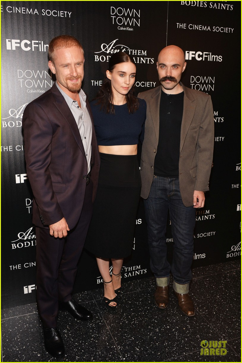 rooney mara bares midriff at aint them bodies saints screening 032929745