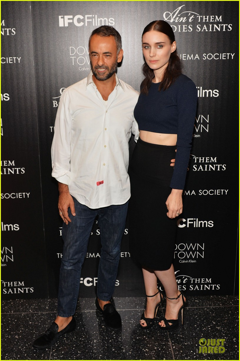 rooney mara bares midriff at aint them bodies saints screening 092929751