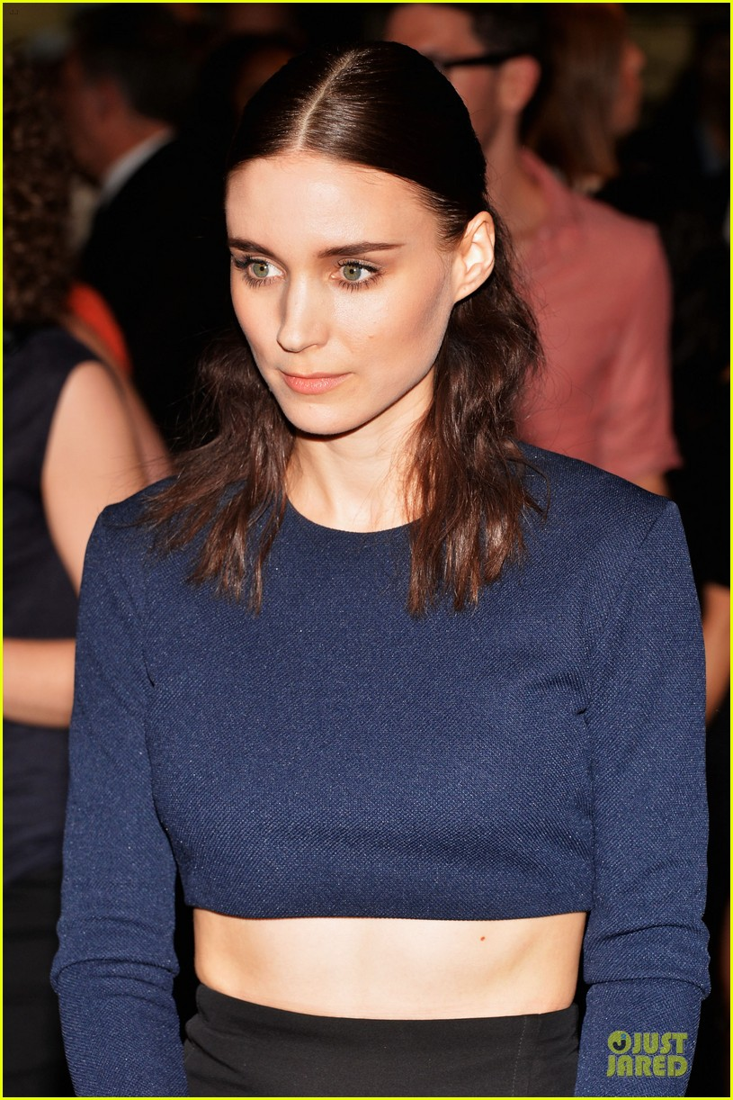 rooney mara bares midriff at aint them bodies saints screening 112929753