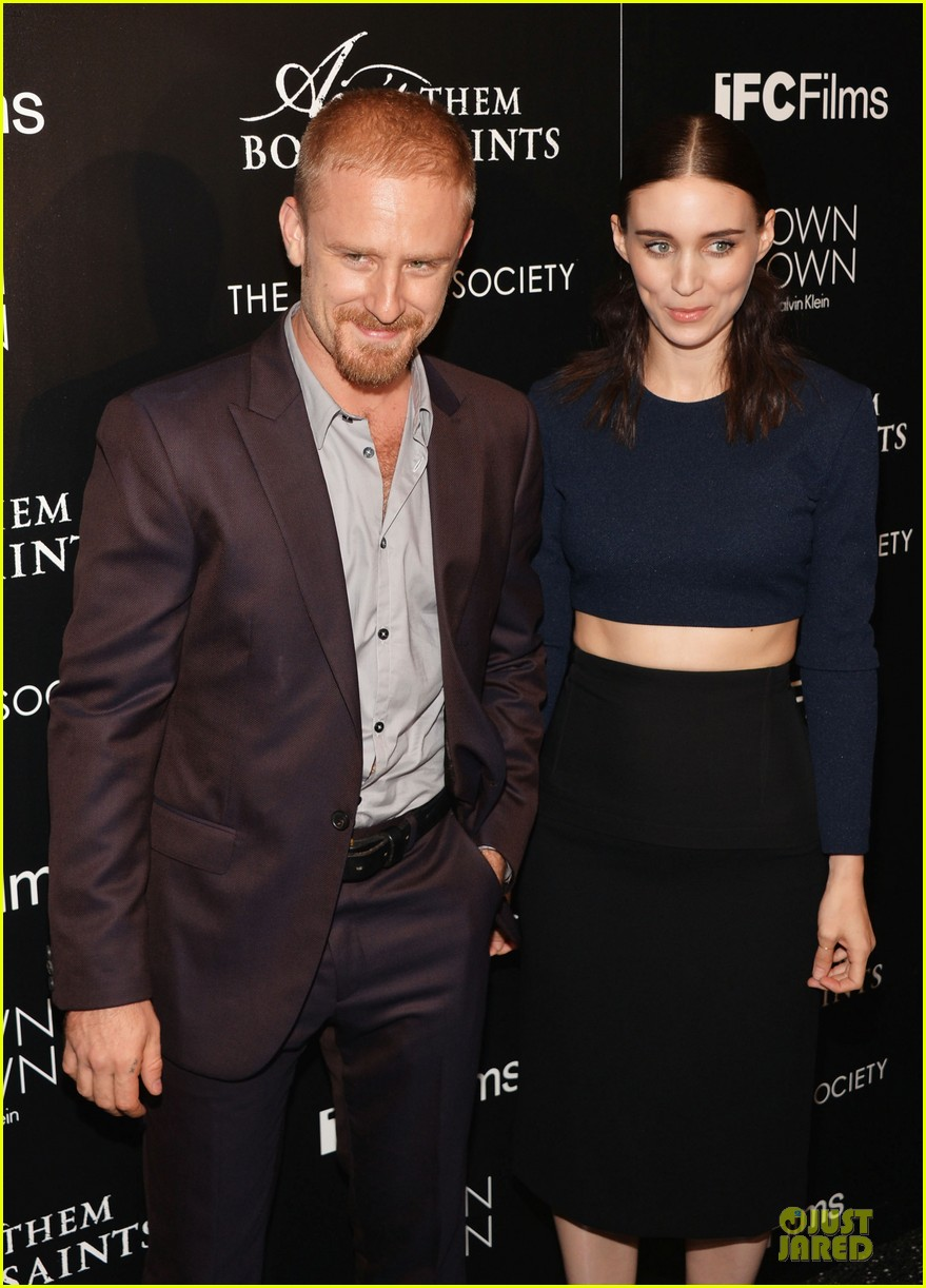 rooney mara bares midriff at aint them bodies saints screening 122929754