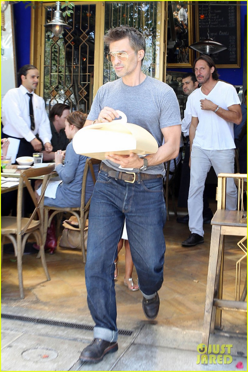 olivier martinez halle berry b day cake shopping with nahla 02