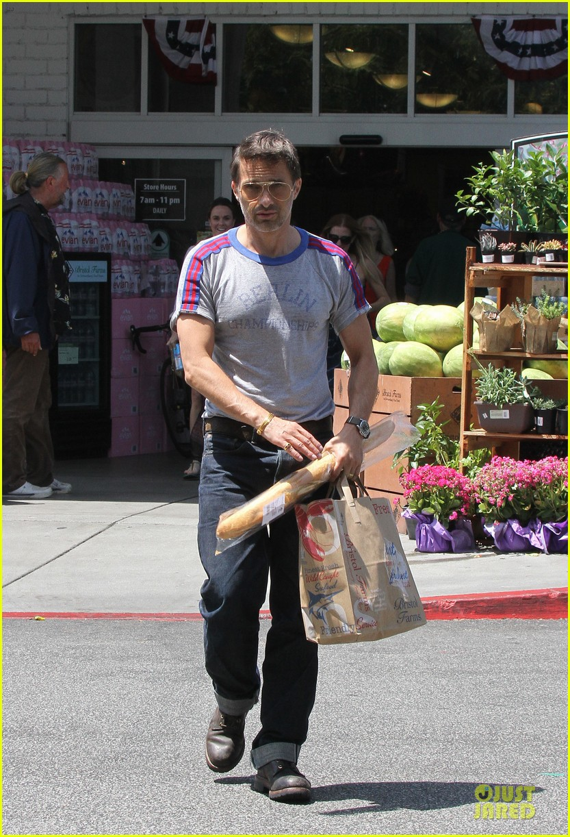 olivier martinez baguette craving after halle berry birthday 012931505