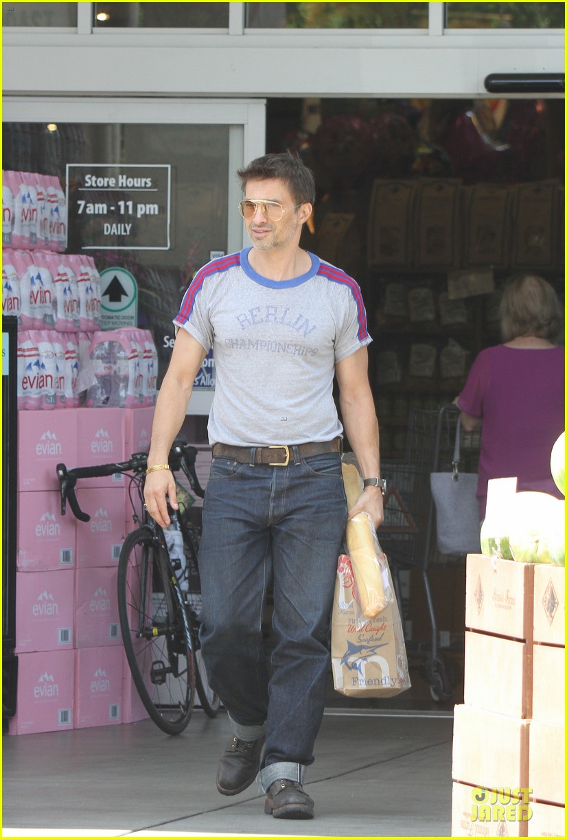 olivier martinez baguette craving after halle berry birthday 102931514