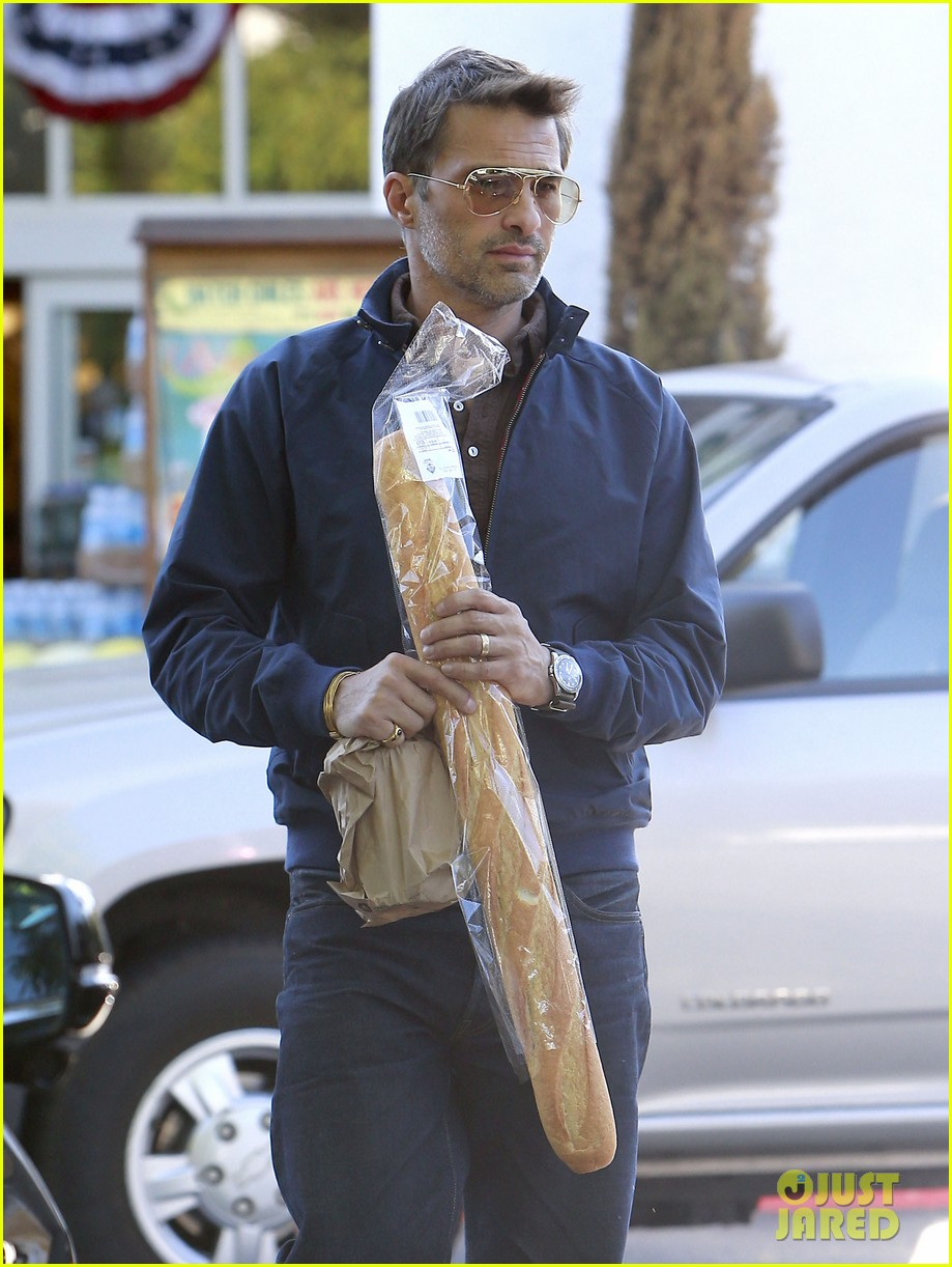olivier martinez buys two baguettes in one week 09