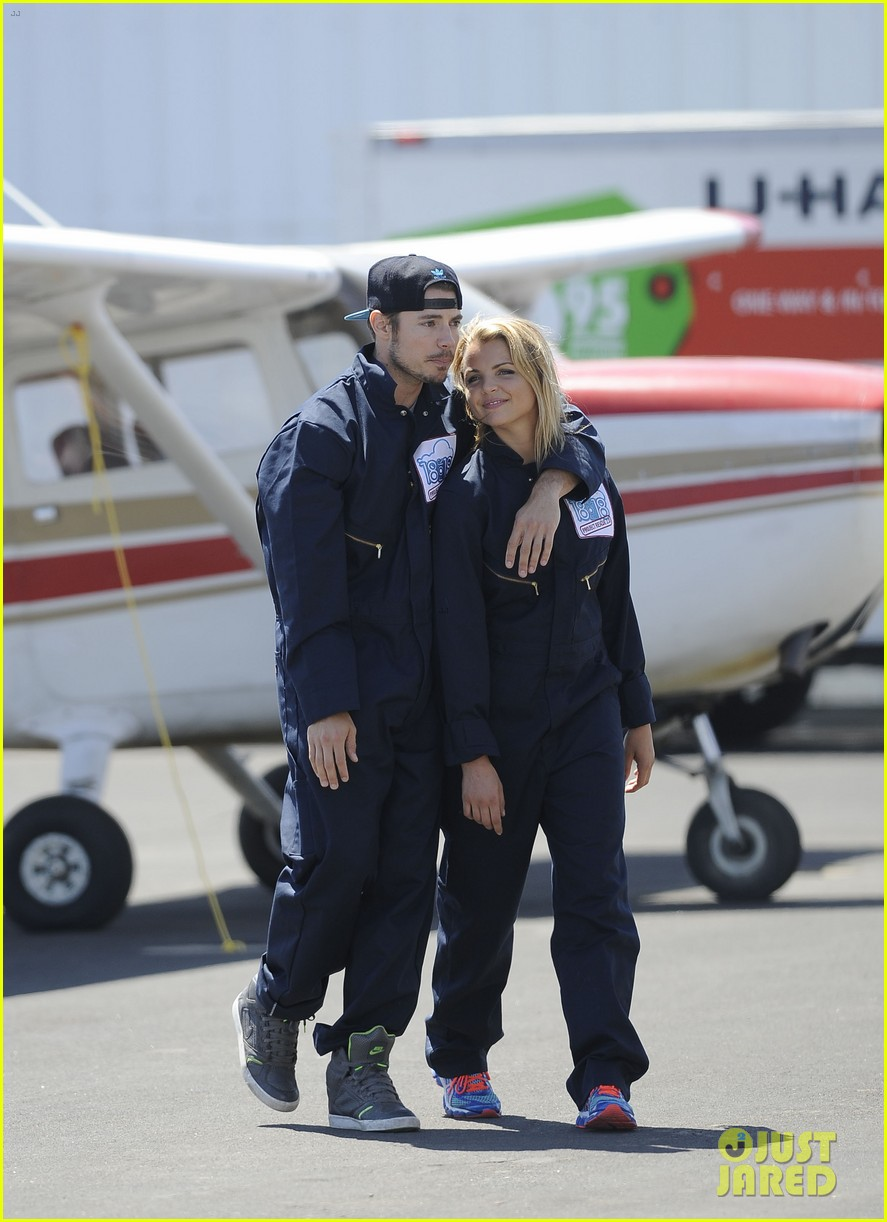 annalynne mccord josh henderson skydiving for a cause 08
