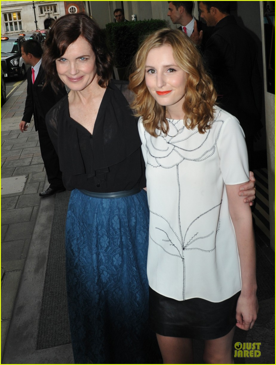 elizabeth mcgovern joanne froggati downton abbey press launch 252929970