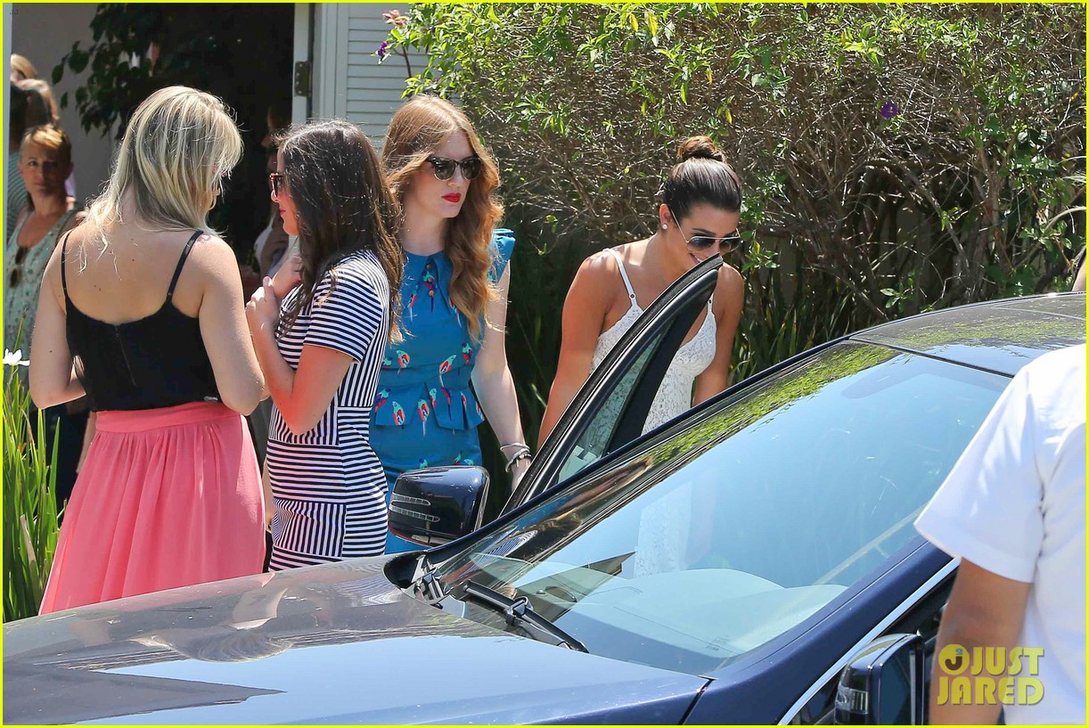 lea michele spotted smiling before teen choice awards 2013 042927985