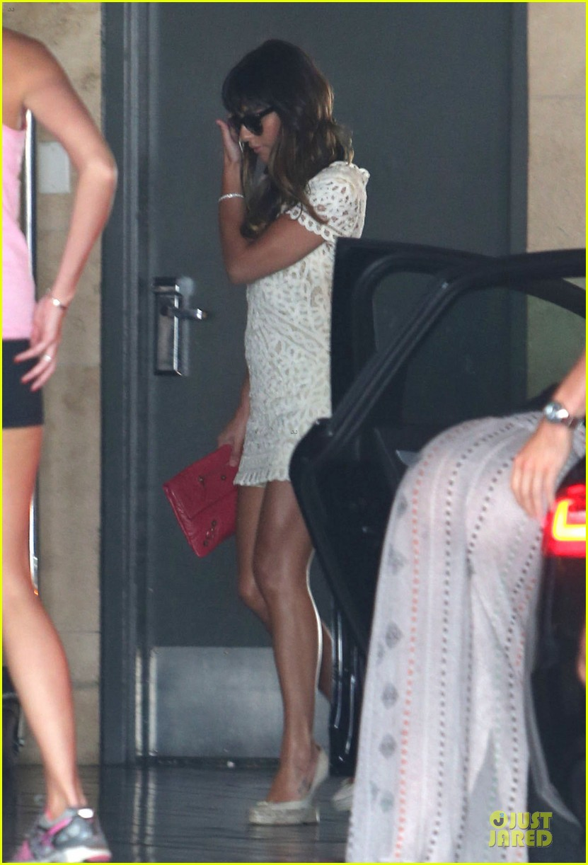 lea michele bravely steps out after cory monteith death 032922834