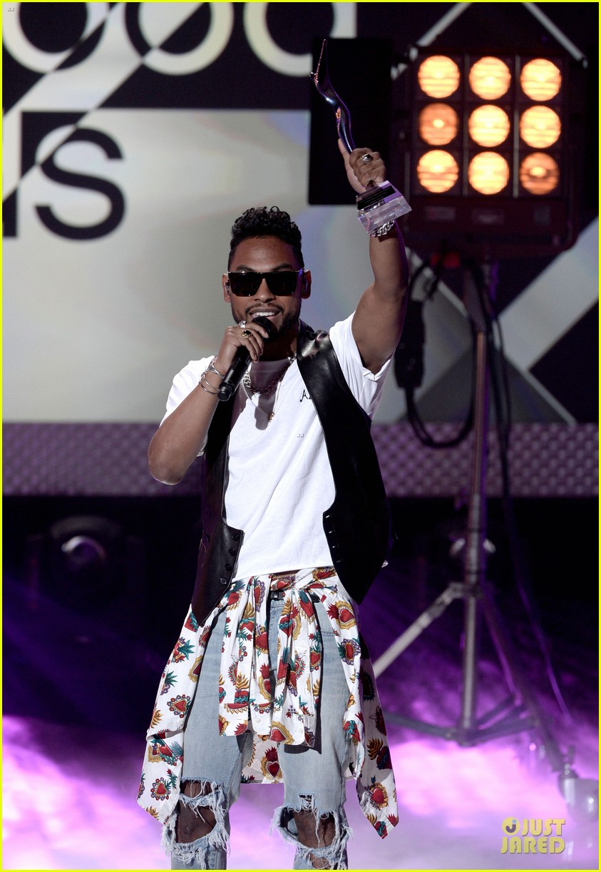miguel cody simpson perform at young hollywood awards 142921894