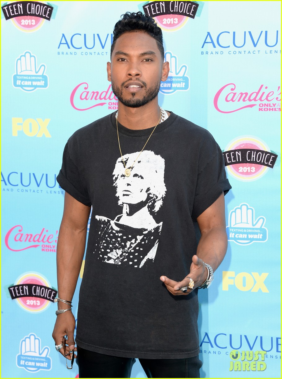 miguel teen choice awards 2013 nazanin mandi 04