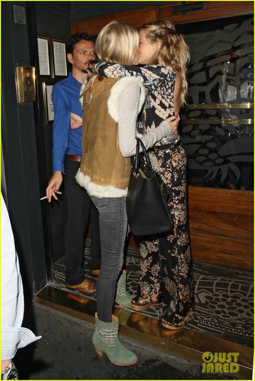 sienna miller cara delevingne party ladies in london 032931332