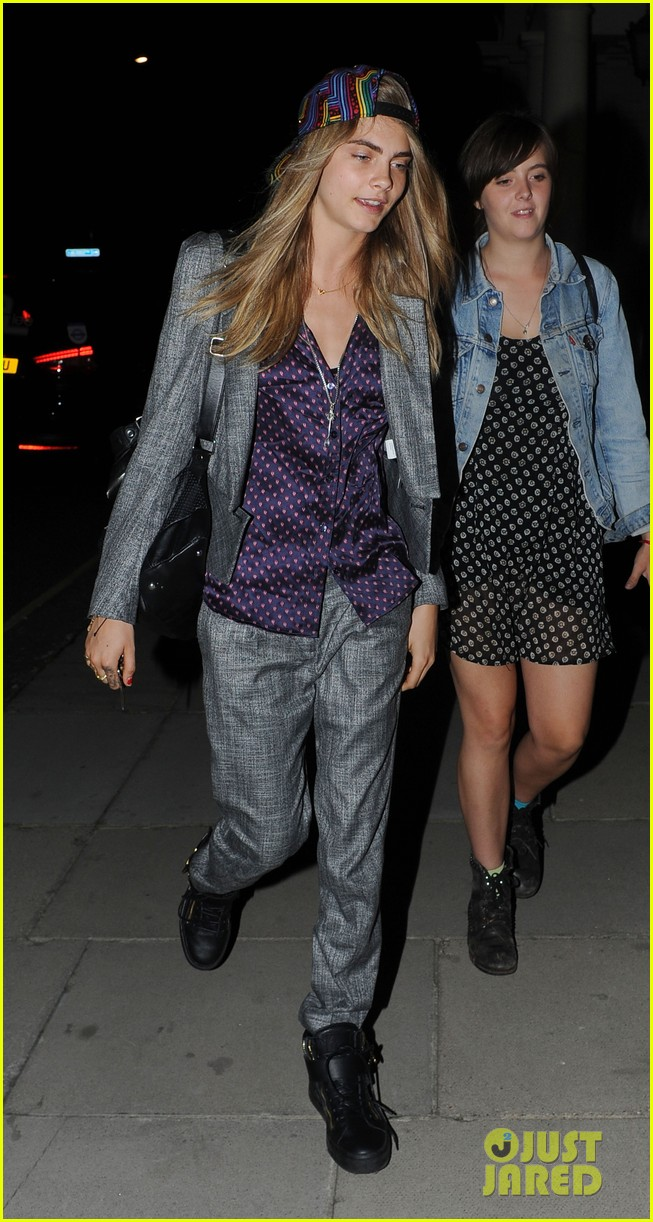 sienna miller cara delevingne party ladies in london 082931337