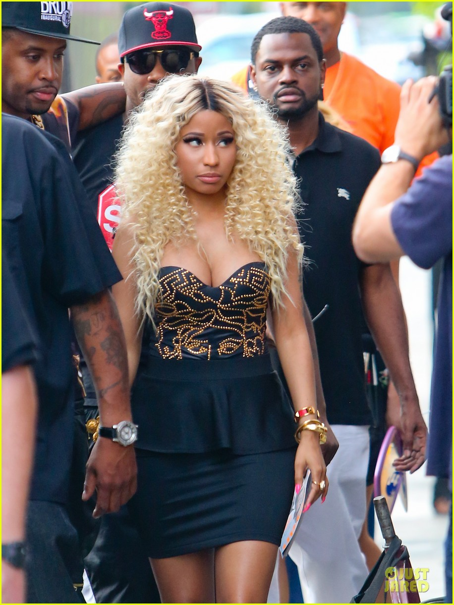 nicki minaj chris brown love more music video shoot 10