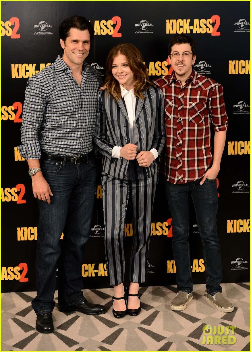 chloe moretz christopher mintz plasse kick ass 2 london photo call 012924039