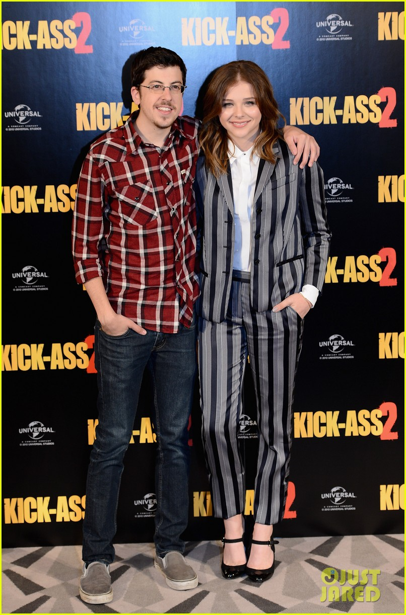 chloe moretz christopher mintz plasse kick ass 2 london photo call 06
