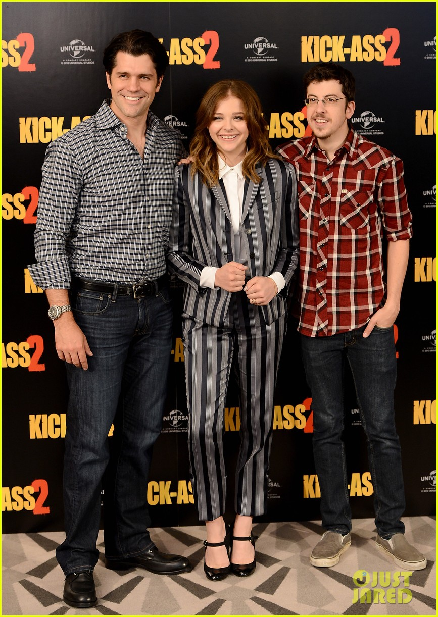chloe moretz christopher mintz plasse kick ass 2 london photo call 122924050