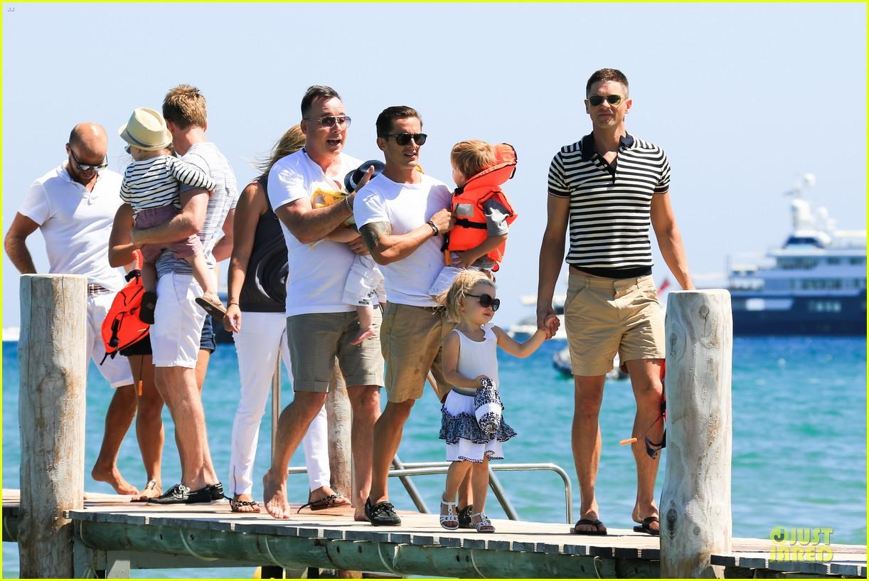 Neil Patrick Harris: Shirtless Vacation with David Burtka & Twins