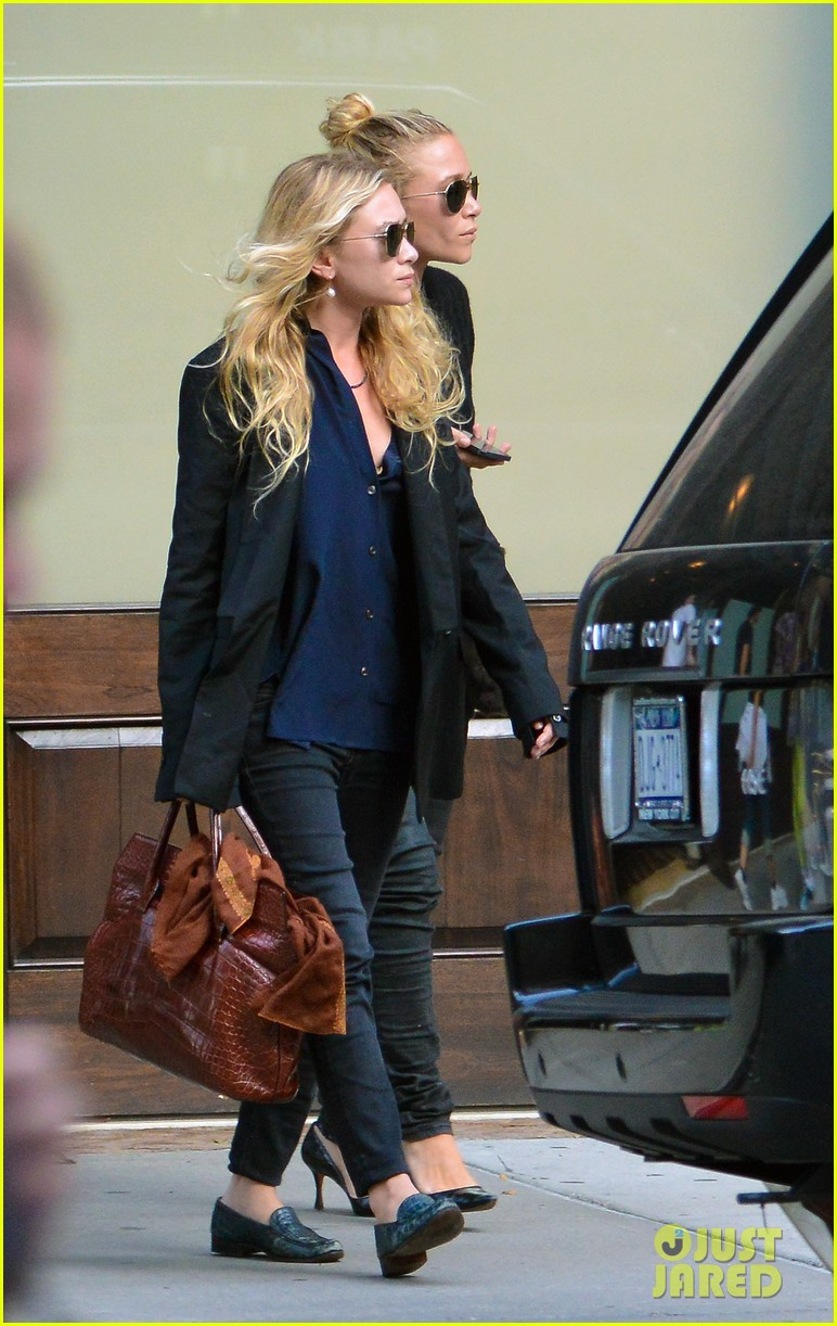 mary kate ashley olsen back in new york after noway trip 012929243